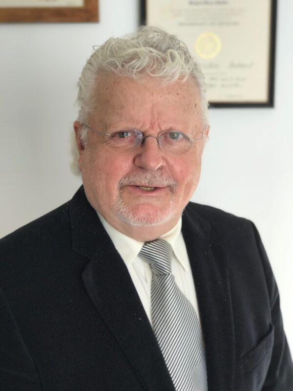 Dr.Richard Guttler
